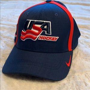 Nike Classic99 USA Hockey Hat